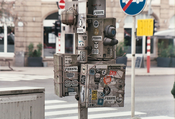 Photo stickers dans la rue par Thierry Jaspart