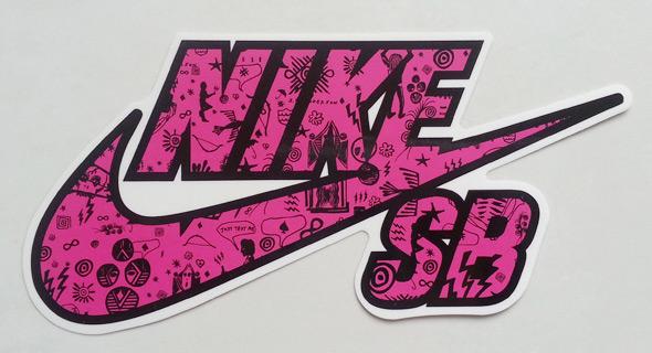 Stickers personnalisés NIKE en sérigraphie noir et rose fluo