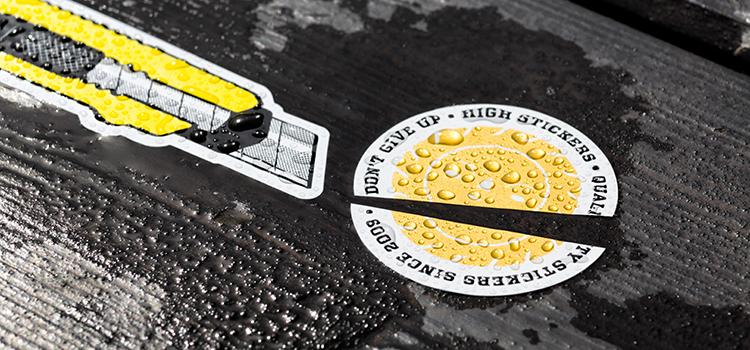 Stickers dorés avec reflets des rayons du soleil + eau