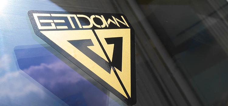 Sticker sérigraphie Noir et Or Dj GetDown