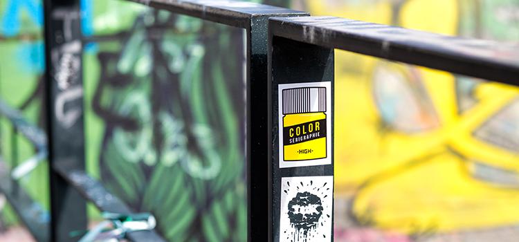 Stickers rectangle en extérieur noir et jaune