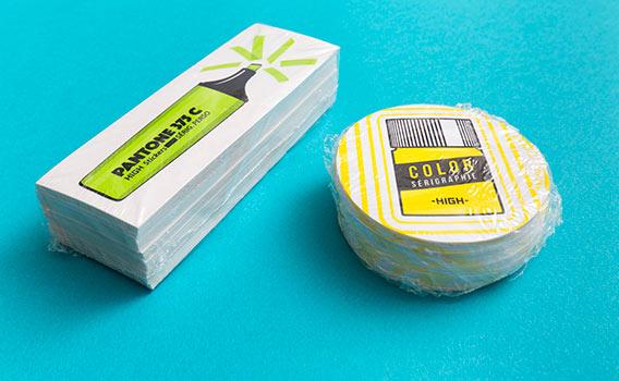 Exemple de stickers en sérigraphie personnalisée avec emballage